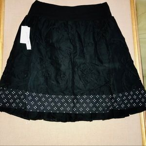 2/30 NWT Black Skirt with Floral Embroidery